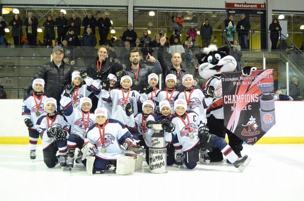 Hockey: Les vautours remporte un tournoi!