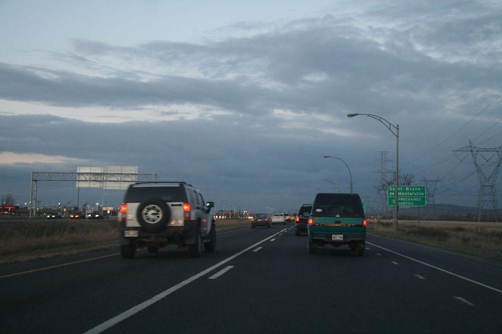Première phase d'asphaltage sur la 30 à Saint-Bruno