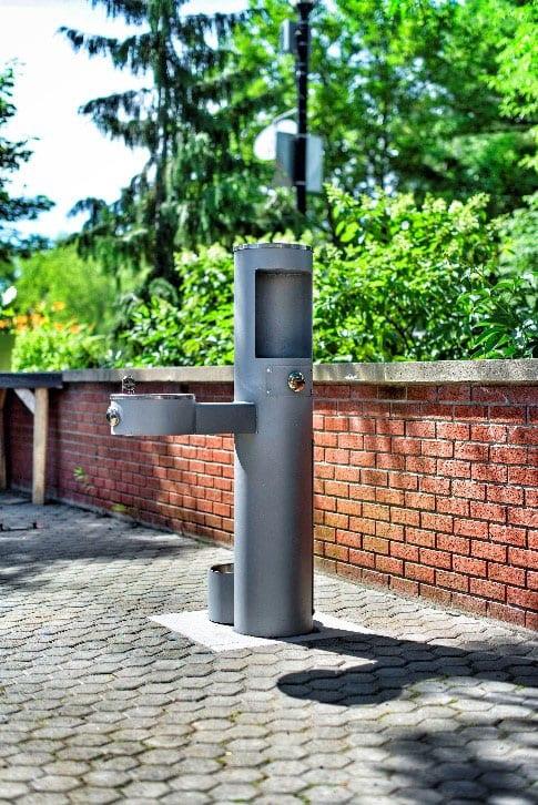 Une première fontaine adaptée aux bouteilles d'eau à Saint-Bruno