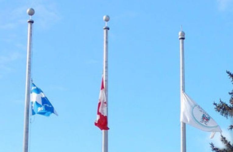 Tragédie en Nouvelle-Écosse: drapeaux en berne à Saint-Bruno