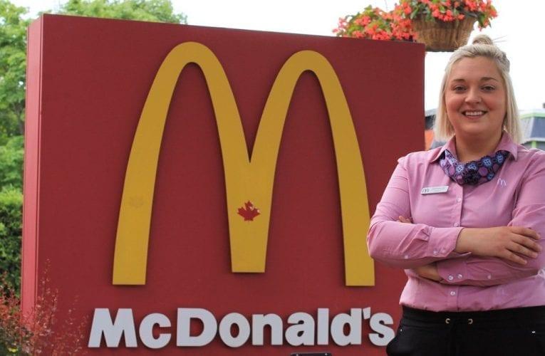 Tiffany Boudreau, gérante du restaurant McDonald's à Saint-Bruno, a reçu le Mérite Ray Kroc