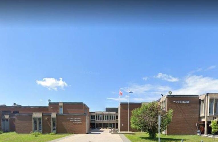Opération policière: Menace et confinement à l'école secondaire Héritage