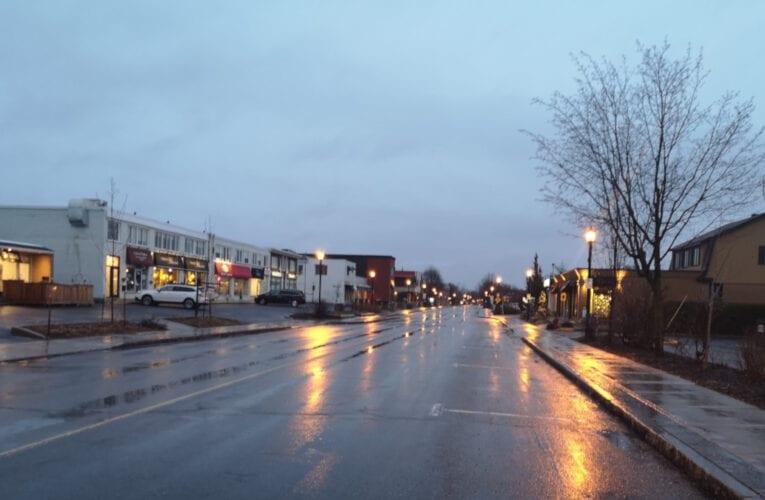 Gestion de la pandémie au Québec: confinement sévère, résultats mitigés